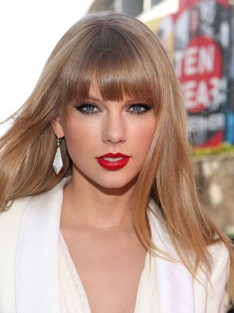 Taylor Swift To Testify In Groping Case; Singer Promises To Donate Any Awarded Damages To Charity